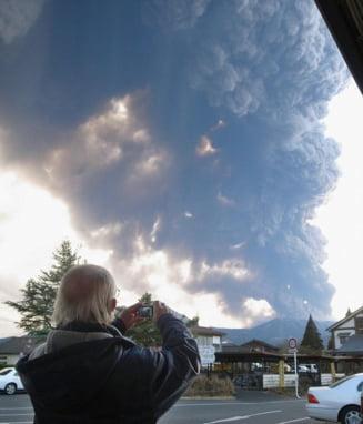 Japonia, in alerta in urma unei eruptii vulcanice (Galerie foto)