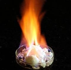 http://tb.ziareromania.ro/Japonia-a-extras--gheata-care-arde--de-pe-fundul-marii/11d1c14bd8e58ba495/240/0/1/70/Japonia-a-extras--gheata-care-arde--de-pe-fundul-marii.jpg