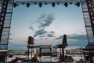 Jean-Michel Jarre sustine un concert anti-Trump, o noapte intreaga, la Marea Moarta