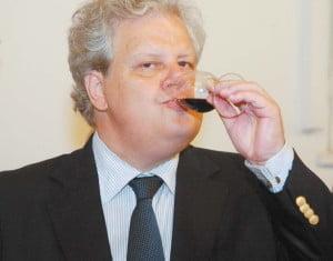 Jean Valvis, acuzat ca a tras pe sfoara familia Bertschmann - Povestea afacerii