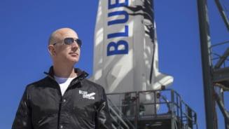 Jeff Bezos vrea să ofere NASA 2 miliarde de dolari, în schimbul unei misiuni pe lună. Cel mai bogat om din lume doar ce s-a întors dintr-o călătorie în spațiu