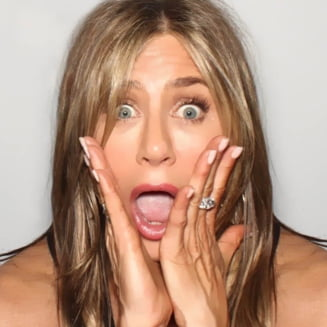 Jennifer Aniston si-a facut cont pe Instagram si a blocat platforma, dupa ce a postat un selfie cu colegii din Friends (Foto)