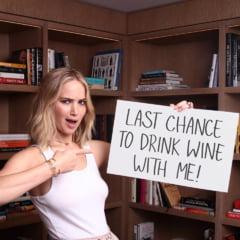 Jennifer Lawrence s-a logodit cu directorul unei galerii de arta