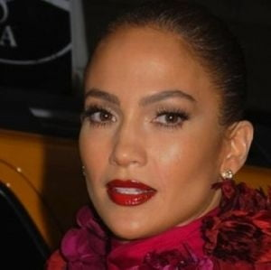 Jennifer Lopez, gazda premiilor Oscar 2012