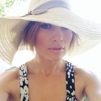 Jennifer Lopez arata fenomenal la 44 de ani - Cum a reusit sa slabeasca (Foto)