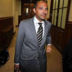 Jocurile de noroc l-au distrus: Fiu de ministru, inculpat pentru fals si uz de fals
