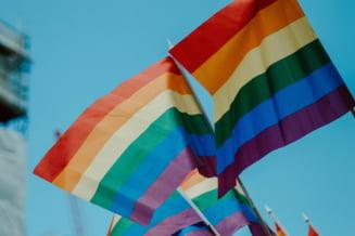 """Joe Biden aproba din prima zi de mandat mai multe cereri ale comunitatii LGBT+. Persoanele non-binare pot selecta titlul """"Mx"""" pe site-ul Casei Albe"""
