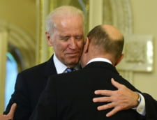 Joe Biden imbratisare Traian Basescu