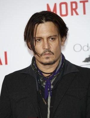 Johnny Depp se casatoreste - Detalii despre nunta cu iubita bisexuala