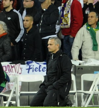 "Jose Mourinho, in genunchi! ""Raman la Real Madrid"""