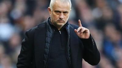Jose Mourinho isi toarna cenusa in cap dupa ce-a fost surprins intr-o ipostaza neobisnuita