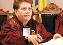 Judecatoarea CCR Aspazia Cojocaru, amenintata de doi politisti si un detinut (Video)