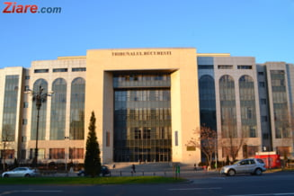 Judecatoarele Costache si Dinu raman in arest