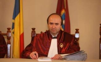 Judecator CCR: Am solicitat presedintelui Curtii convocarea de urgenta a plenului