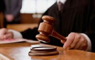 Judecatorul din dosarul lui Neculai Ontanu a vrut sa scape de puscarie un raket vinovat de un triplu asasinat
