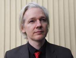 Julian Assange, interogat la Londra: Ecuadorul a incheiat o intelegere cu Suedia