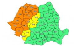 Jumătate de țară, lovită de caniculă. Ploi torențiale și furtuni în restul județelor. ANM a emis mai multe coduri de vreme rea