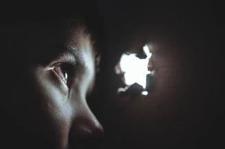 Jumatate din sentintele de abuzuri sexuale impotriva minorilor sunt cu suspendare. Proiect: Autorii sa stea dupa gratii minim 4 ani