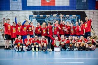Junioarele de la CSM CORONA Brasov incheie triumfal sezonul competitional la handbal!