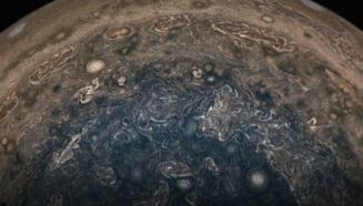 Jupiter ar fi fost lovit de o planeta de 10 ori cat Pamantul acum 4,5 miliarde de ani