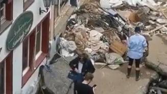 Jurnalistă RTL, concediată după ce s-a descoperit că s-a murdărit cu noroi înaintea unei transmisiuni live despre inundații. VIDEO