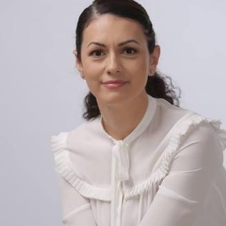"""Jurnalista Iuliana Roibu a decedat. """"Sunt fericita ca am fost mama, fiica, sora, sotie si prietena"""""""