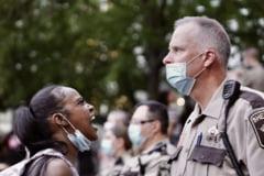 Jurnalisti agresati sau arestati in timpul protestelor din SUA: CNN si Fox News vizate, o jurnalista a fost impuscata in ochi