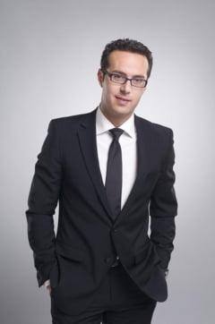 Jurnalistul Adrian Bucur, verificat pentru incompatibilitate dupa ce a fost numit consilier in Guvernul Ciolos
