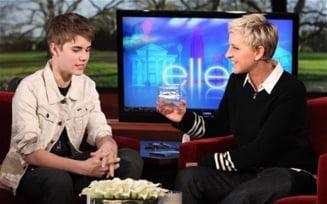 Justin Bieber isi vinde parul si doneaza banii obtinuti