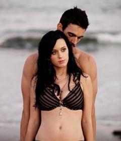 Katy Perry, scene traumatizante de sex in noul videoclip