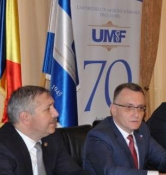 Kelemen Hunor a rezolvat problema invatamantului in maghiara de la UMF Targu Mures