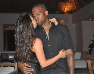 Kim Kardashian si Kanye West divorteaza dupa ce s-au separat in 2020. Cele doua vedete participa la sesiuni de consiliere maritala