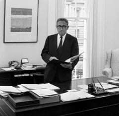 Kissinger si o retea de spionaj complotau rasturnarea Guvernului Germaniei