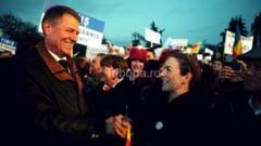 """Klaus Iohannis: """"Va astept pe toti, vineri, 31 octombrie, la 16.30, in Piata Mare pentru a arata ca ne dorim o altfel de Romanie! Haideti ca impreuna sa punem umarul la Romania lucrului bine facut!"""""""