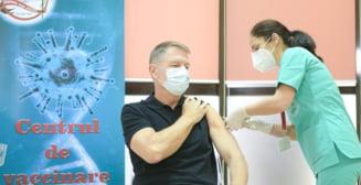 Klaus Iohannis, in vizita la primul centru mobil de vaccinare