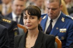 """Klaus Iohannis, intrebat despre revocarea sefei DIICOT in cazul condamnarii sotului acesteia: """"Nu voi astepta ca altii sa miste rotitele"""""""