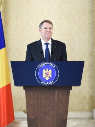 Klaus Iohannis a fost sunat de vicepresedintele lui Donald Trump