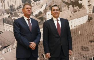 Klaus Iohannis ii sufla in ceafa lui Victor Ponta (Opinii)