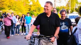 Klaus Iohannis pune toate cartile pe un al doilea mandat. Repara putine, risca la fel de putin