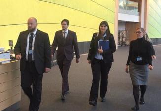Kovesi, asaltata cu intrebari de Antena 3 si RTV inaintea audierii din Parlamentul European: Sunt niste minciuni (Video)