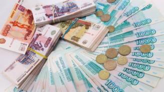 Kremlinul resimte criza din Crimeea: Economia Rusiei, in cadere libera