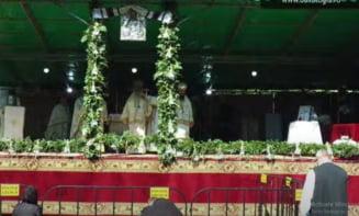 LIVE: Imagini de la slujba Sfintei Liturghii care precede inmormantarea lui IPS Parinte Pimen