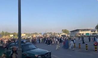 LIVE TEXT Talibanii recuceresc Afganistanul. Mai mulți oameni ar fi căzut dintr-un avion care decola /Cel puțin cinci morți în ambuscadele de pe aeroport VIDEO