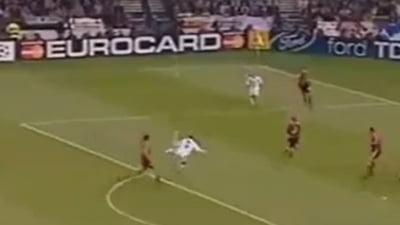 La 10 ani distanta, un gol spectaculos a la Zinedine Zidane (Video)