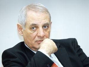 La 64 de ani, fostul ministru Mihai Seitan a decis sa divorteze