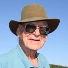 La 88 de ani si-a deschis prima afacere, impreuna cu sotia de 85 de ani. Succesul e impresionant