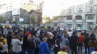 """La Bucuresti s-a cerut demisia ministrului de Interne: """"Oprea face crime, Ponta il sustine!"""" (Foto & video)"""