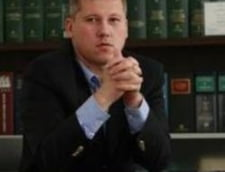La final de mandat, Predoiu ii baga pe avocati in razboi