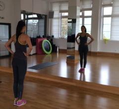 La sala cu Andreea Raicu - exercitii pentru fesieri, coapse si abdomen (Video)