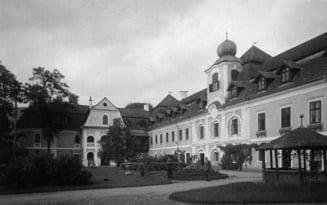 La un castel medieval din Mures s-au descoperit fresce unicat in Transilvania